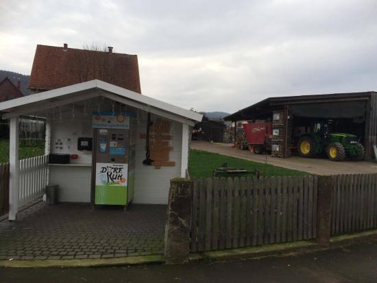 Haus Hubertus: Frische Milch vom Bauern