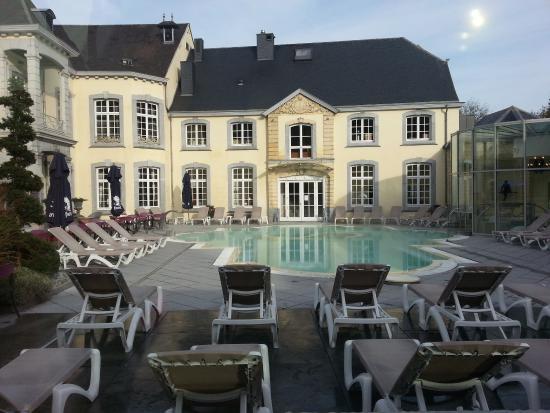 Une des entr es picture of chateau des thermes for Chaudfontaine piscine
