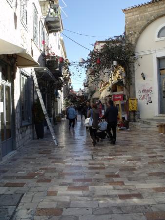 Nauplion Promenade: Une rue de Nauplie