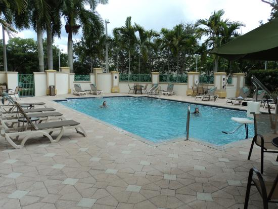Charming Hilton Garden Inn Ft. Lauderdale Airport Cruise Port: Piscine