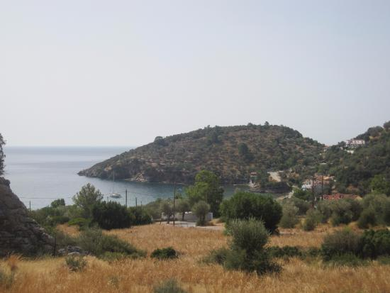 Limnionas, Grecia: view down to beach