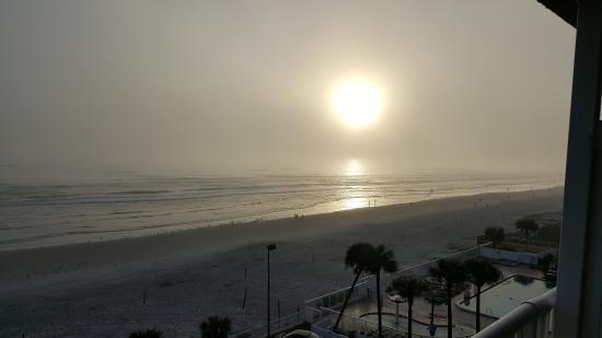 Holiday Inn Resort Daytona Beach Oceanfront: Sunrise Dec 30, 2015