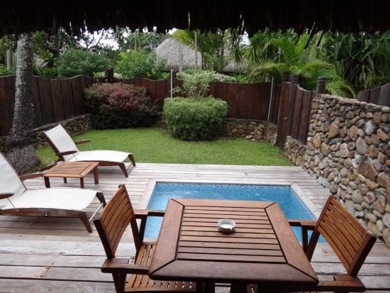 Deluxe garden bungalow with private plunge pool picture for Garden pool bungalow intercontinental moorea