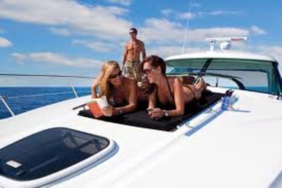Boat Rental Miami : Sea Ray yacht
