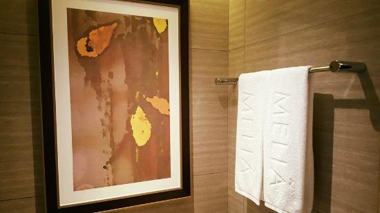 Melia Hanoi: Gallery in Bathroom