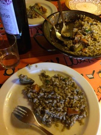 Impressionante arroz de alcachofas y calamares