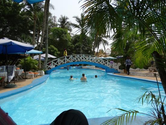 piscine by night fotograf a de hotel le wafou abidjan