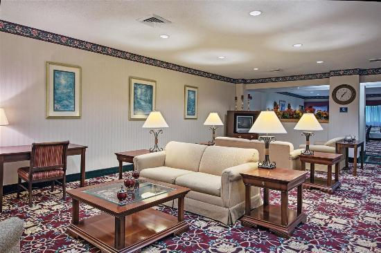 La Quinta Inn & Conference Center Auburn : Lobby