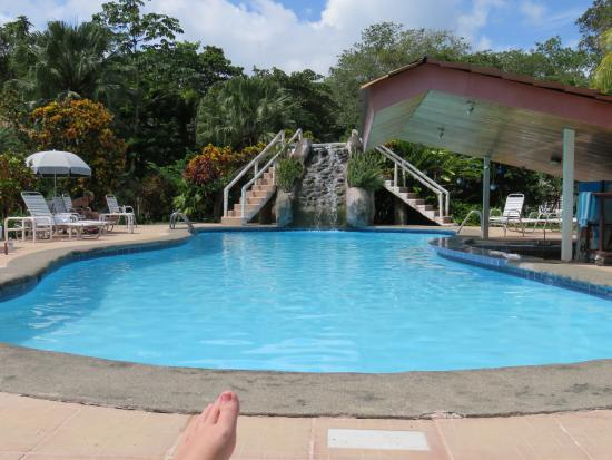 Crocodile Bay Resort: Outdoor Pool
