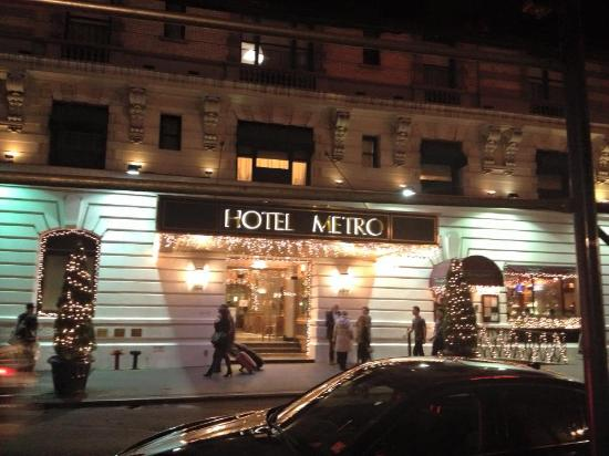 Hotel Metro: front of hotel