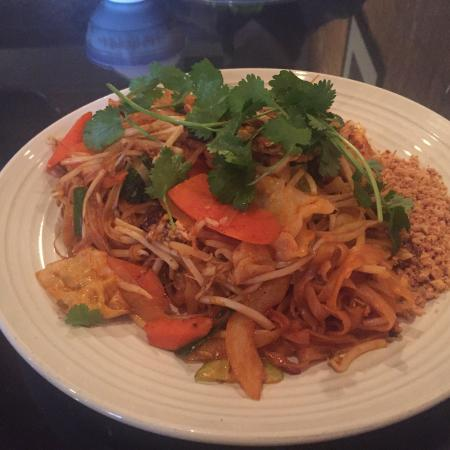 Pad thai picture of thai spices natural restaurant for 8 spices thai cuisine