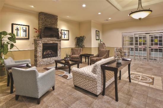 La Quinta Inn & Suites Stonington: Lobby