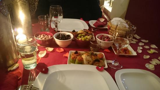 Riad La Cigale: Abendessen im Kaminzimmer
