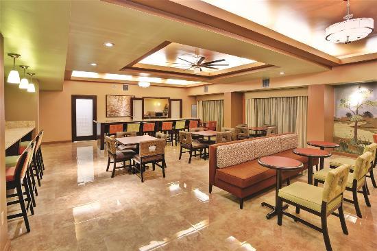 La Quinta Inn and Suites Memphis/Sycamore View