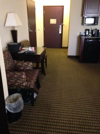 Holiday Inn Express Hotel & Suites Durant: Plenty of space in our room at HI Express, Durant OK