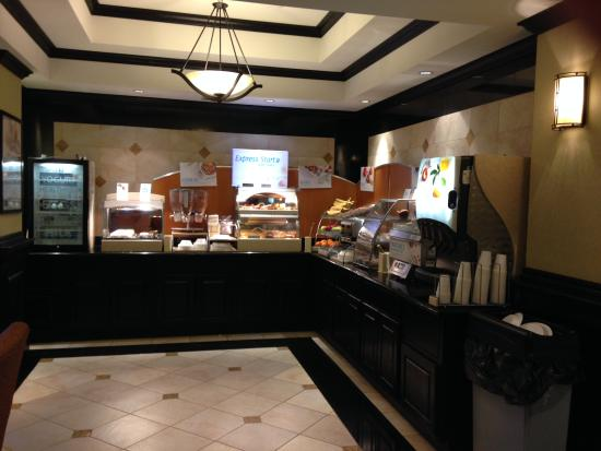 Holiday Inn Express Hotel & Suites Durant: Breakfast area at HI Express, Durant OK