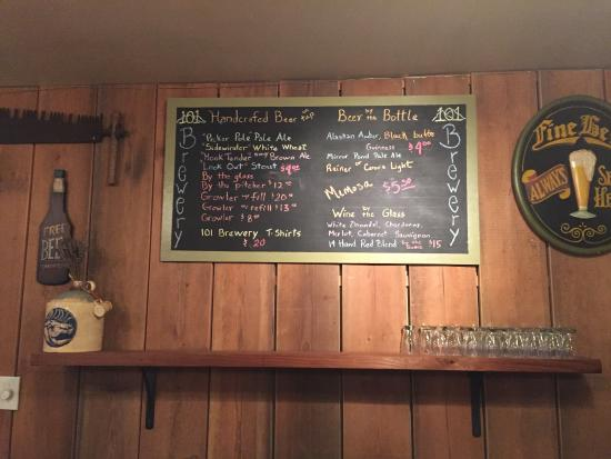 Quilcene, WA: Beer Menu & Decor