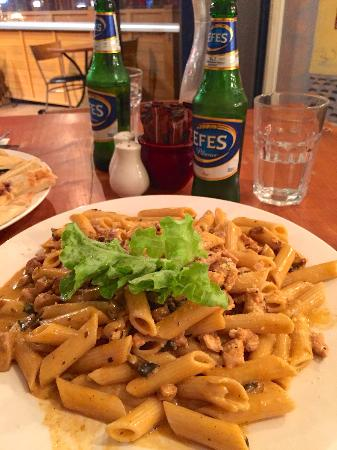 Cafe Ephesus: Pasta of the Day with Chicken