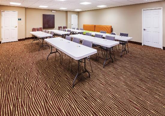Pasadena, TX: meeting room