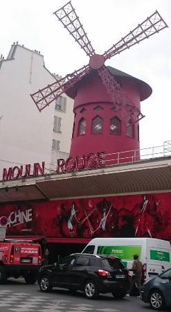 Folies Pigalle: słynne Moulin Rouge
