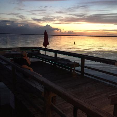Ocklawaha, ฟลอริด้า: The sunset from the overwater dining area