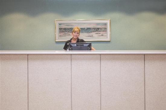 La Quinta Inn & Suites Fort Myers Airport: Lobby