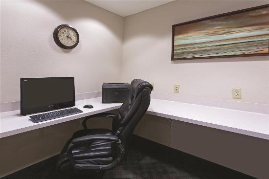 La Quinta Inn & Suites Fort Myers Airport: business center