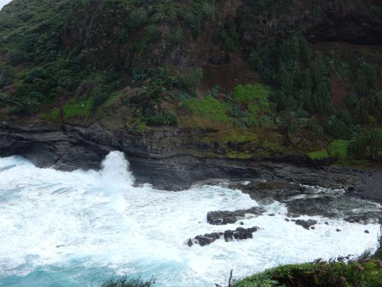 Kilauea, هاواي: crashing waves