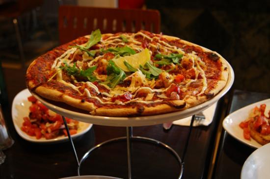 Oz Napoli Pizza and Pasta Restaurant
