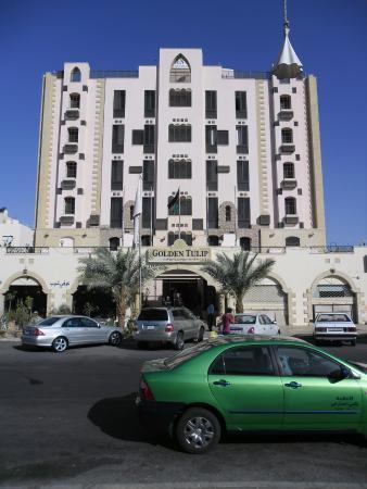 Golden Tulip Aqaba: Frente fachada del hotel
