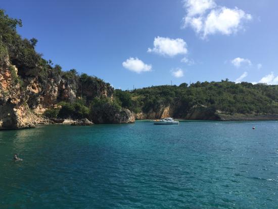 Zatoka Simpson, Sint Maarten: Little Bay, Anguilla