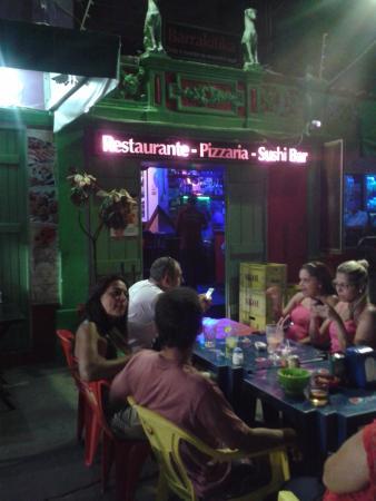 Barrakitika: O bar