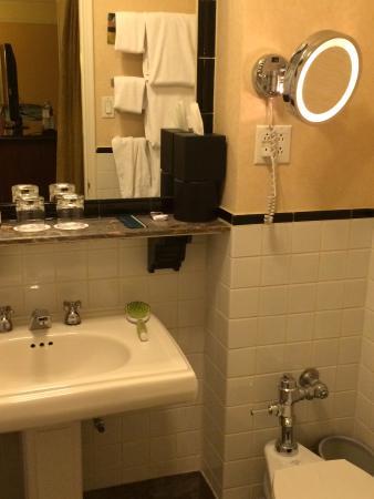 Fairmont Hotel Vancouver: Bathroom