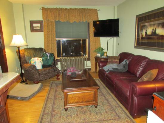 Living Area One Of Two Tvs In Room Picture Of Murray Hotel Livingston Tripadvisor