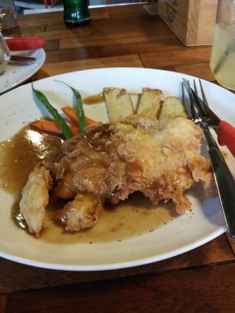 Crispy Chicken Steak Foto Hello Cow Restaurant Solo