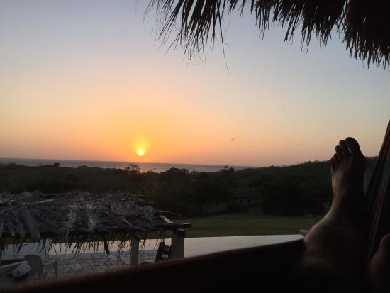 Las Plumerias Lodge and Surf: Sunsets from the hammock