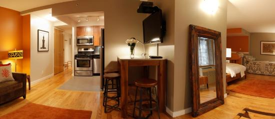 Sanctuary NYC Retreats: Master King Suite (sleeps 6)