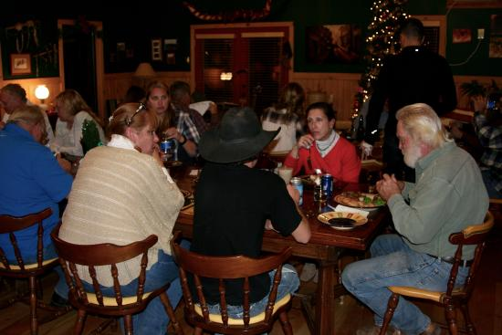 Hideout Ranch : Christmas feast full of fun