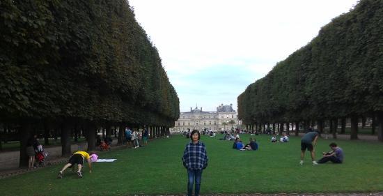 Paris, France: Tentram dan damai