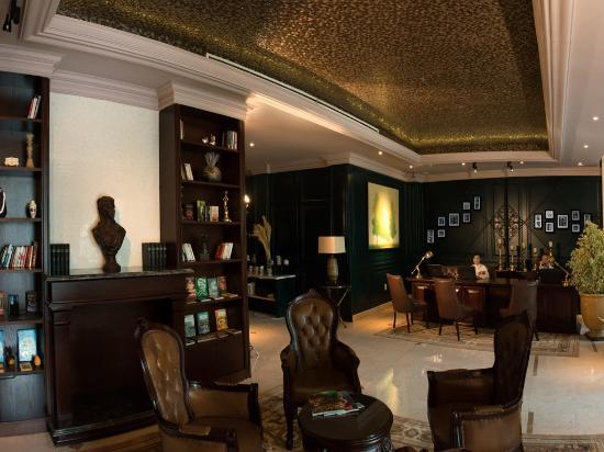 โรงแรมลาโจลี่แอนด์สปา