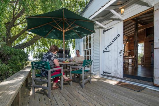 St Leonards Vineyard Cottages: woolshed