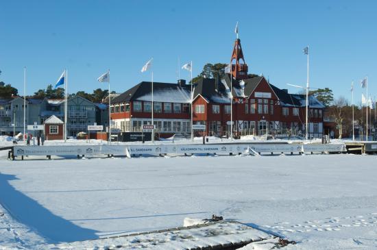 Sandhamn, Suecia: Seglarn i vinterskrud