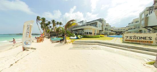 7Stones Boracay Suites: Resort Exterior