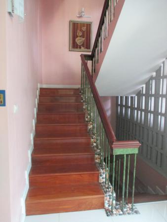 Vista Residence Bangkok: staircase