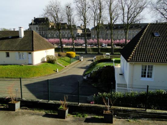 Luneville, Frankrike: Panorama verso il castello