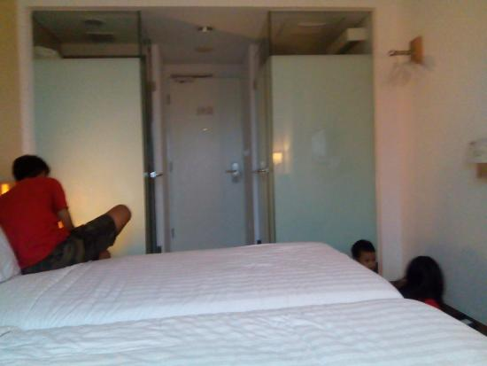 img20160102155222 large jpg picture of whiz prime hotel pajajaran rh tripadvisor ie