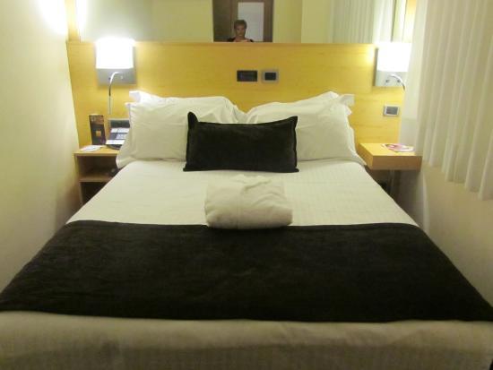 Hotel Preciados: Номер
