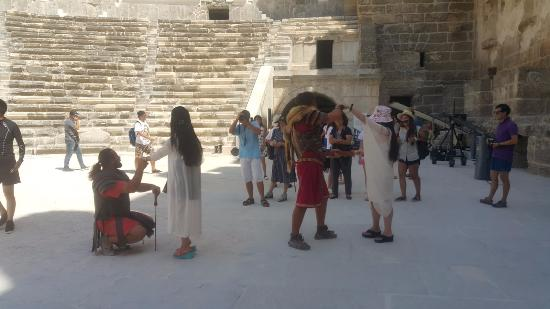 Aspendos Ruins and Theater: Turistleri eğlendiren gladyatörler