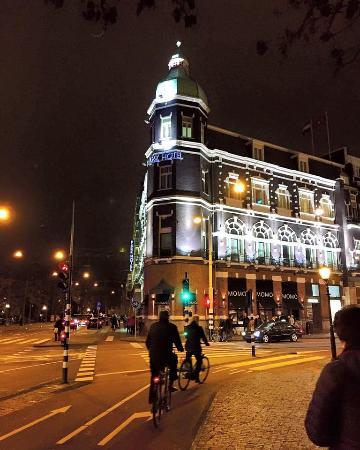 Park Hotel Amsterdam: Park Hotel from the street corner