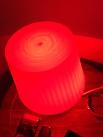 Todtnauberg, Deutschland: Zu einer schlimmen Absteige gehört auch immer rotes Licht: IKEA LAMPAN